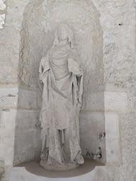 Statue à l'Aître St-Maclou